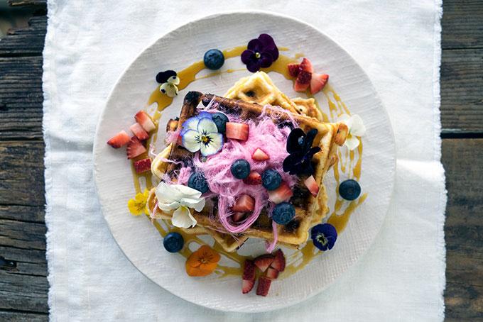 Blueberry-White-Chocolate-Wafles-1-1