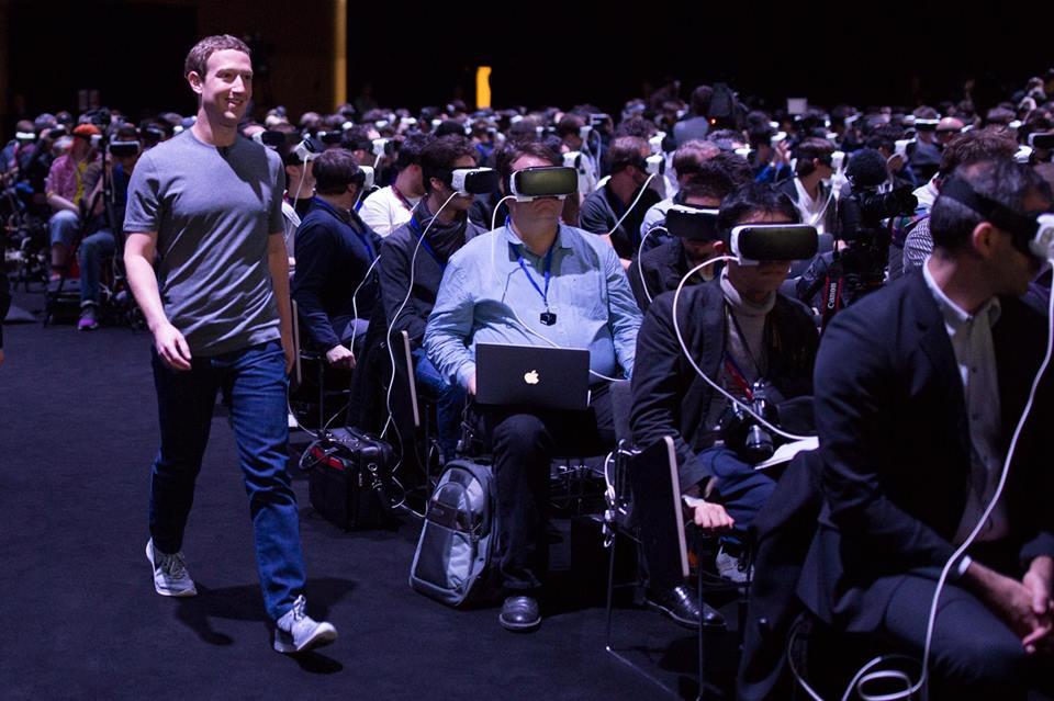 mark-zuckerberg-gear-vr-unpacked.jpg