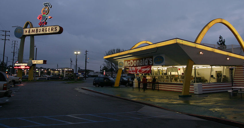 mcdonalds-restaurant-golden-arches